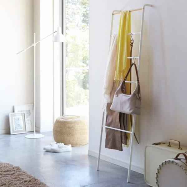 Yamazaki: Tower Leaning Ladder, Anlehnregal, weiß